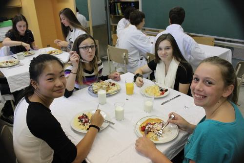 De beaux sourires au déjeuner d'accueil du PÉI